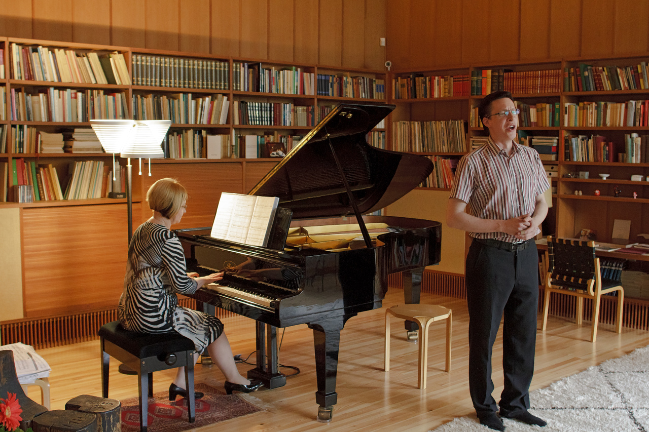 Antti and Elina performing