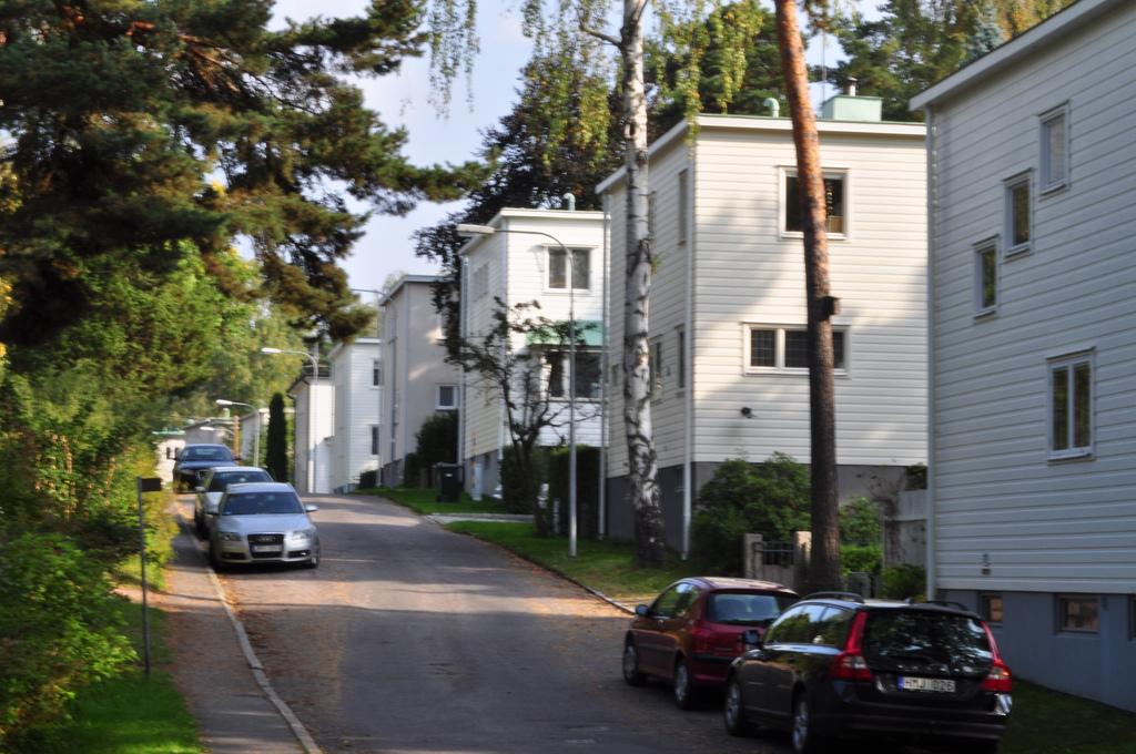 Södra Ängby street scene