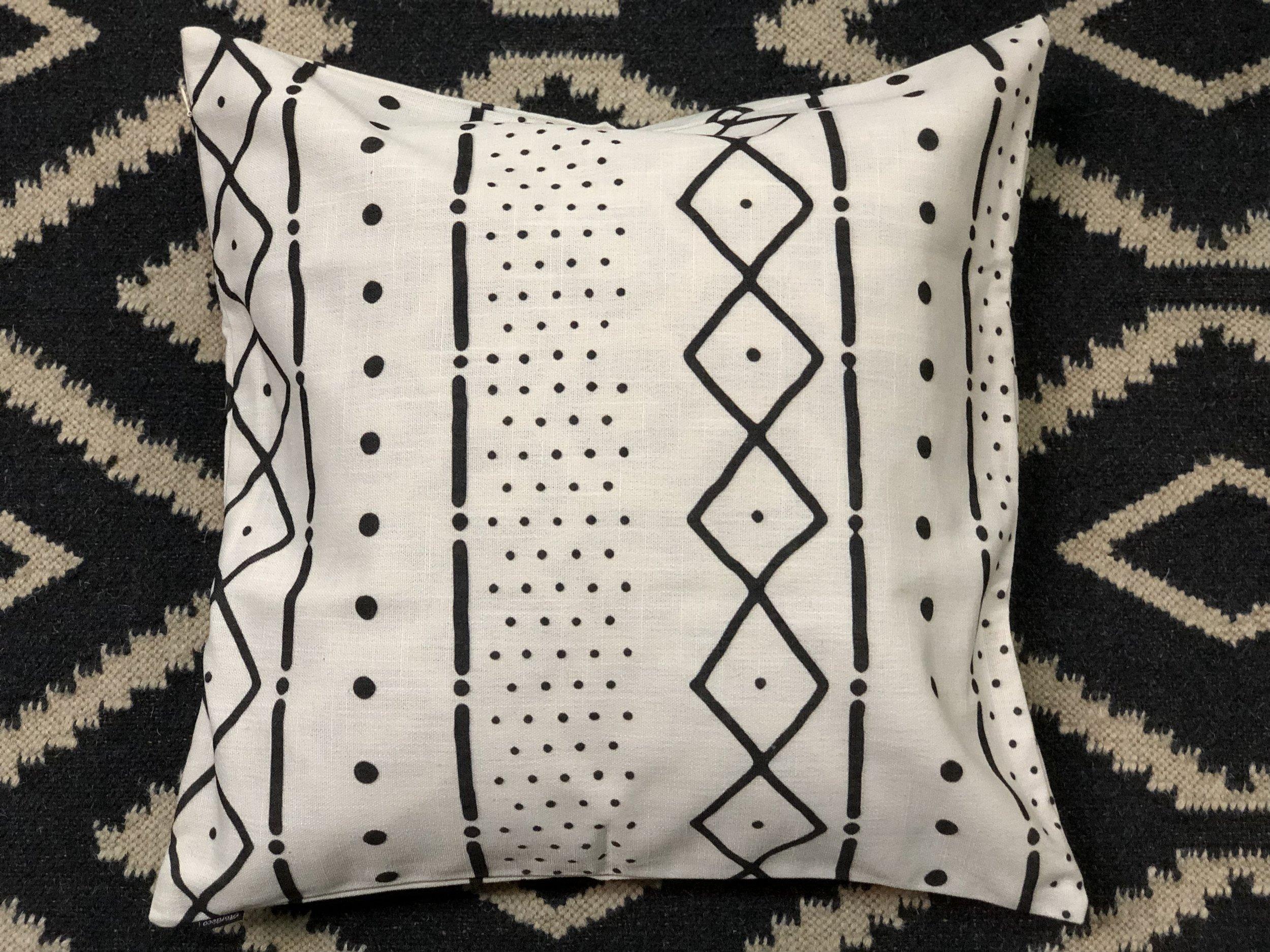 Grafisk Pillow -