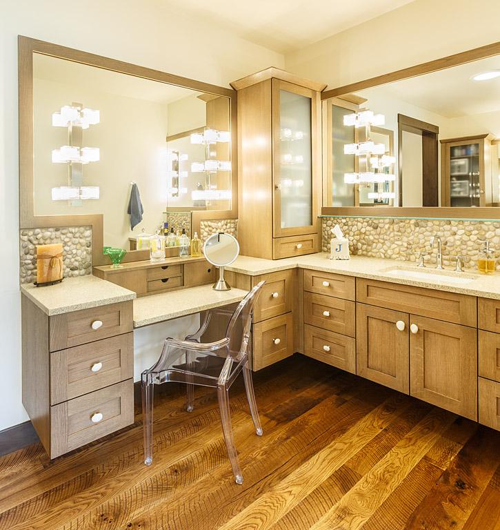 pebble backsplash bathroom