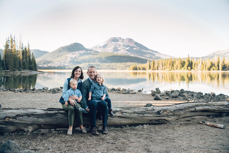 sparks-lake-oregon-family-portrait