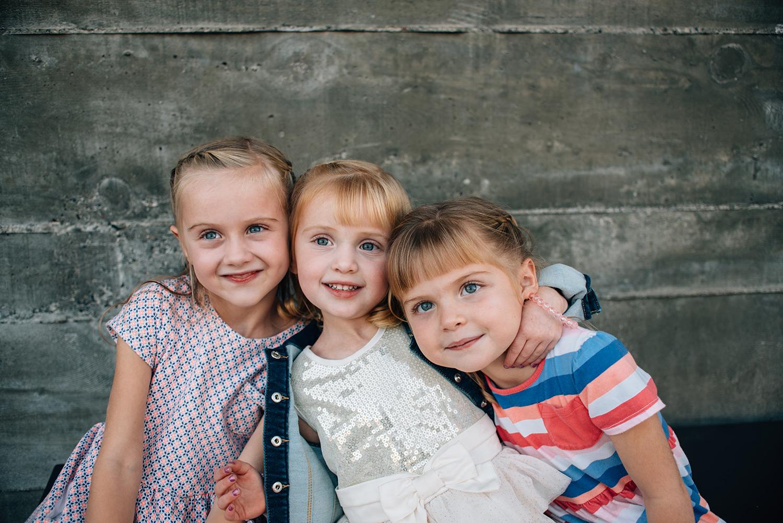 siblings bend oregon photographer