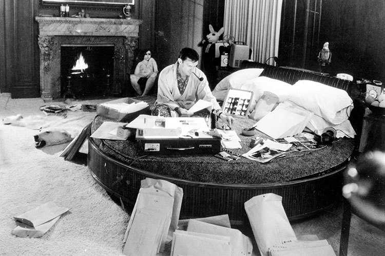 Del-cansancio-II-Hefner-working-in-his-bedroomoffice-at-the-Chicago-mansion.-Photo-provided-by-Playboy-Enterprises.jpg