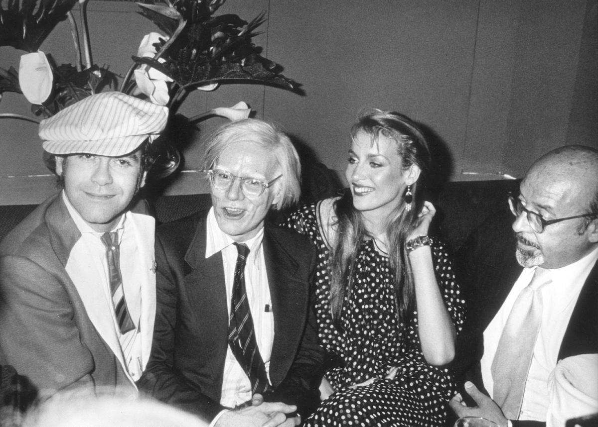 elton-john-andy-warhol-jerry-hall-ahmet-ertegunat-1987.jpg