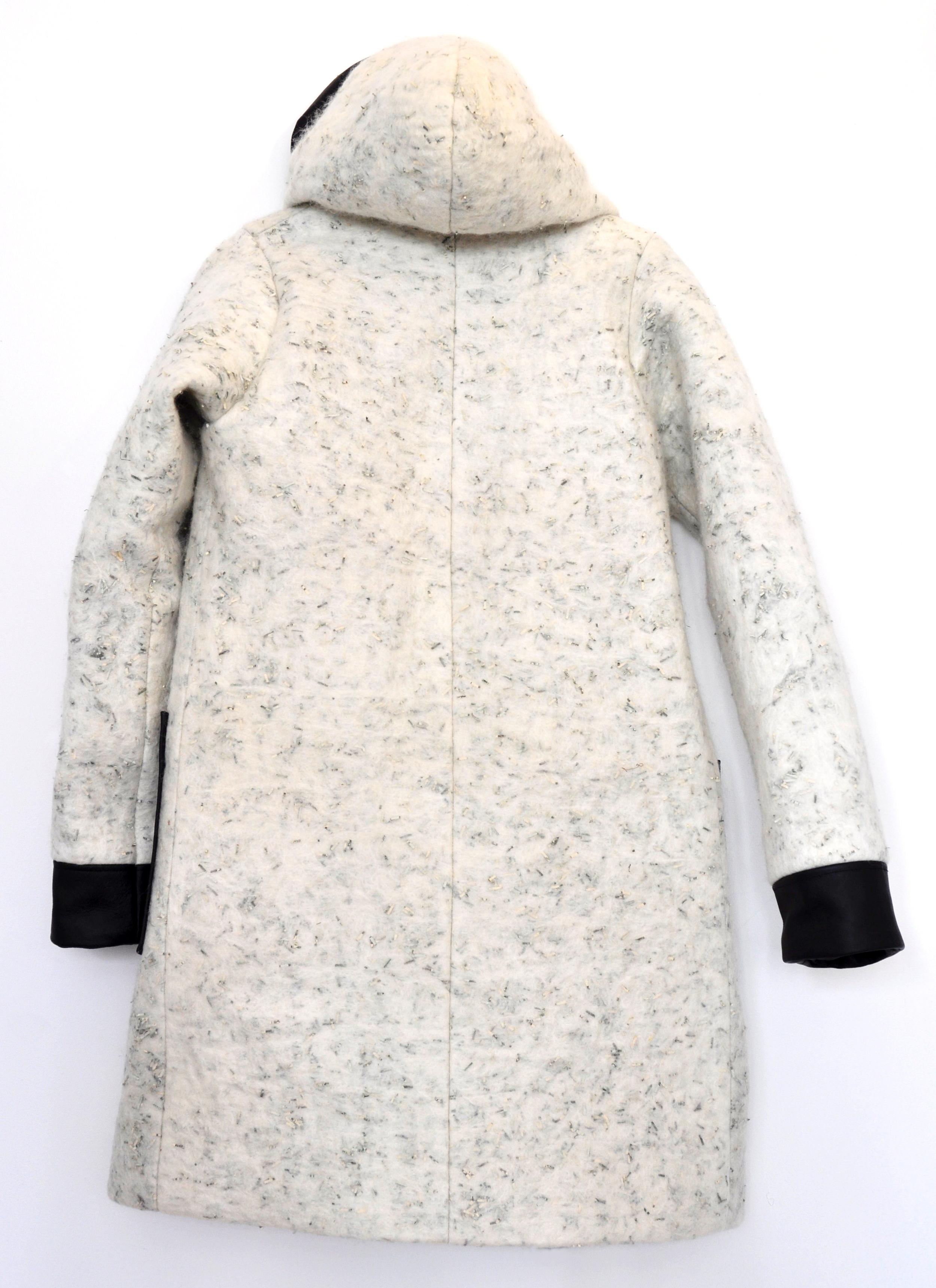 Hooded coat Back-no belt.jpg