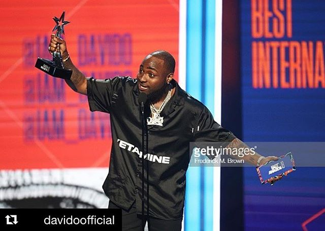 Congratulations to @davidoofficial for winning the #BETAward in Los Angeles this past weekend! Friends— never give up on your DREAMS!! Hard work pays off!! 🎉💪🏾🌍#NaijaNoDeyCarryLast #music #art #culture #community . . #Repost @davidoofficial (@get_repost) ・・・ ‪It's kind of fun to do the impossible .... Nigerians turning  up Worldwide 🌍 🇳🇬🇳🇬❤️❤️ ‬
