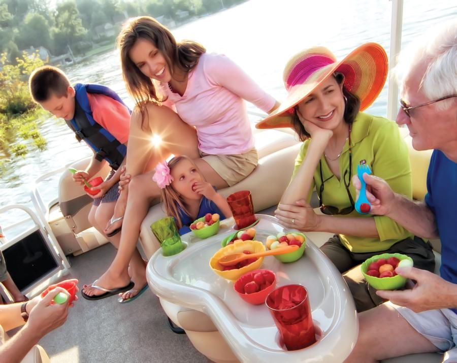 vantage-boat-share-rental-club-24-suntracker-pontoon-boat-20.jpg