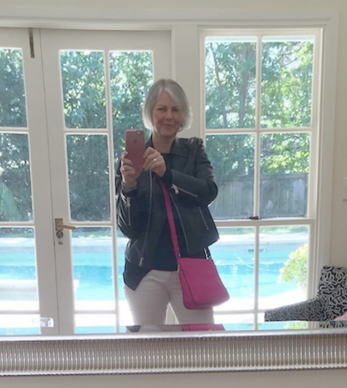 <Apologies for the selfie, guys -- but just wanted to show you a quick outfit that Jules inspired. It felt perfect for a casual Cross Country end of season lunch at my teenager's school. With the right basic pieces, it was super easy to pull together. And I LOVE cross body handbags now. So much easier to carry.>