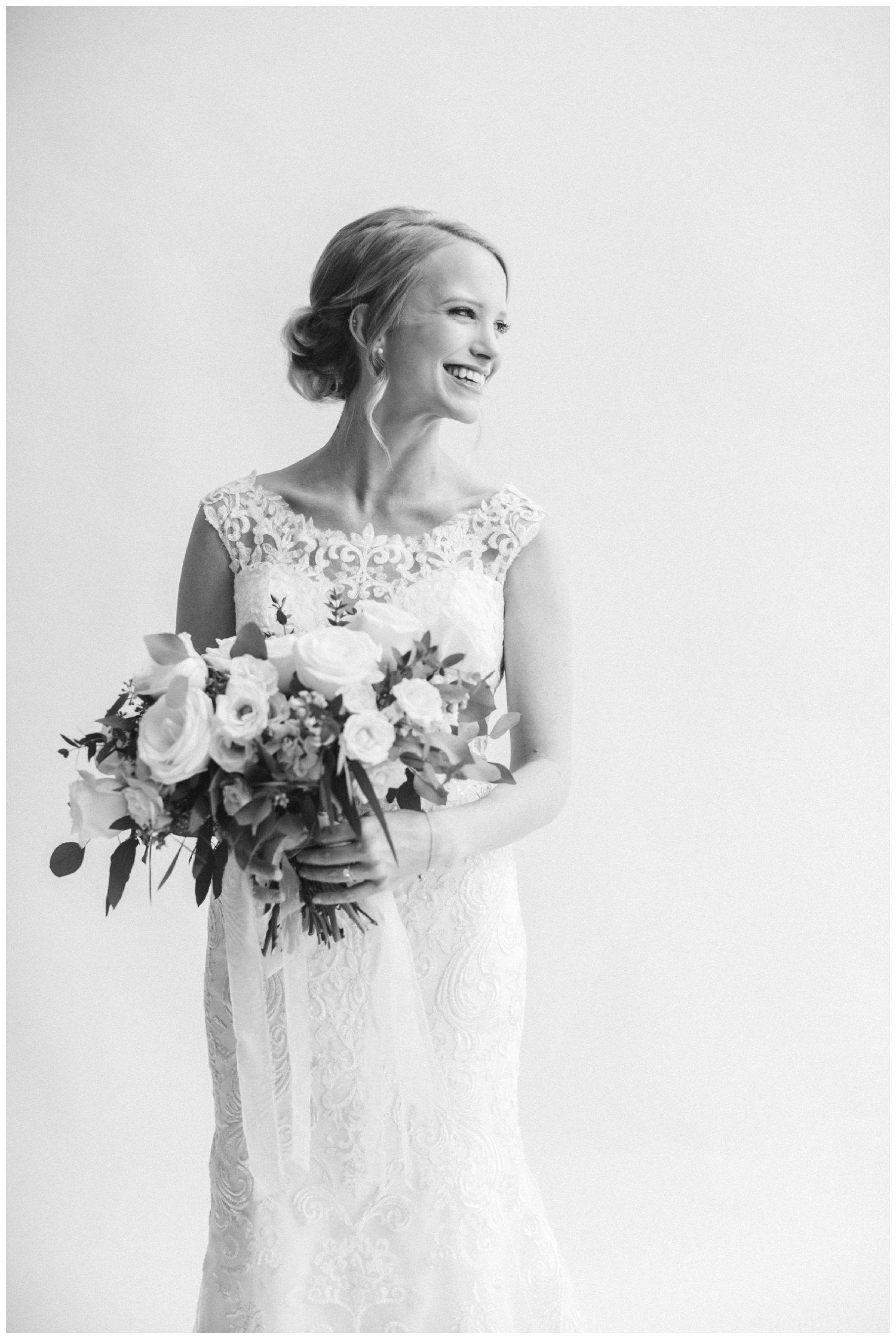 minimal timeless lubbock texas bridal portraits_15.jpg