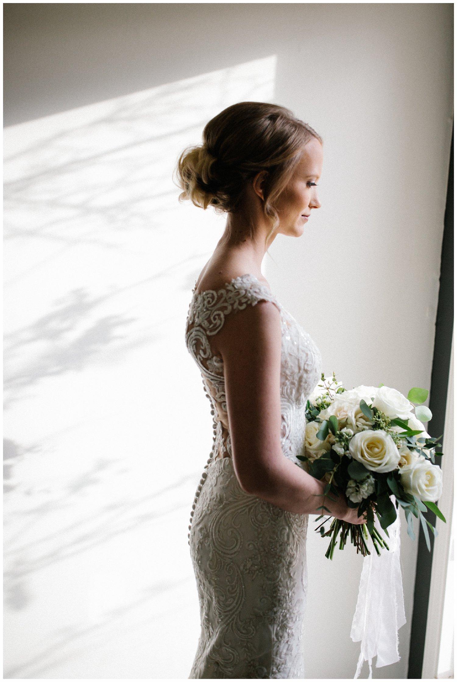 minimal timeless lubbock texas bridal portraits_16.jpg