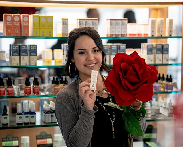 What your favorite tincture? ⠀⠀⠀⠀⠀⠀⠀⠀⠀ .⠀⠀⠀⠀⠀⠀⠀⠀⠀ . ⠀⠀⠀⠀⠀⠀⠀⠀⠀ .⠀⠀⠀⠀⠀⠀⠀⠀⠀ #cannabis #wellness #tincture #thefutureisfemale #womenofcannabis #roses #flowers #420 #cannabiswellness #monday #sandiego #california #retail