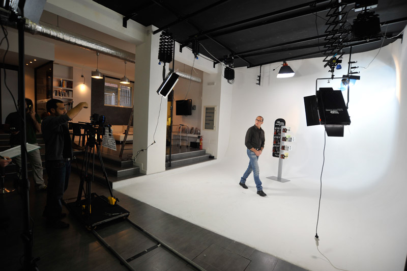 6-studiophotografia-backstage-gallery-Phase-Essenziale.jpg