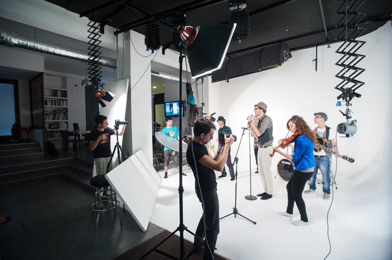 4-studiophotografia-backstage-gallery-Enrico-La-Cava.jpg