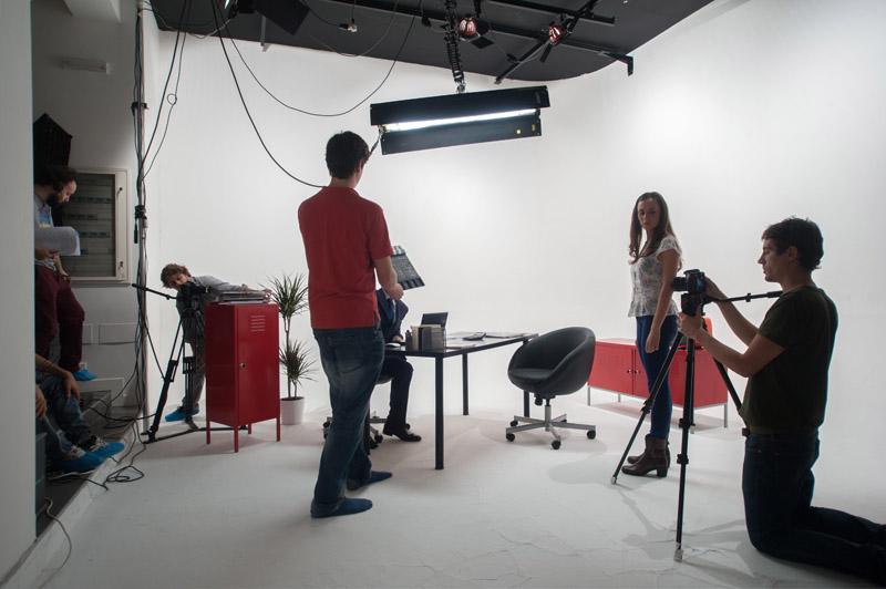 4-studiophotografia-backstage-gallery-tutorial-zanichelli-fake-factory.jpg