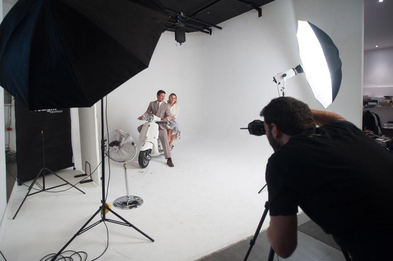4-studiophotografia-backstage-gallery-Vacanze-Romane-Autieri-Conticini.jpg