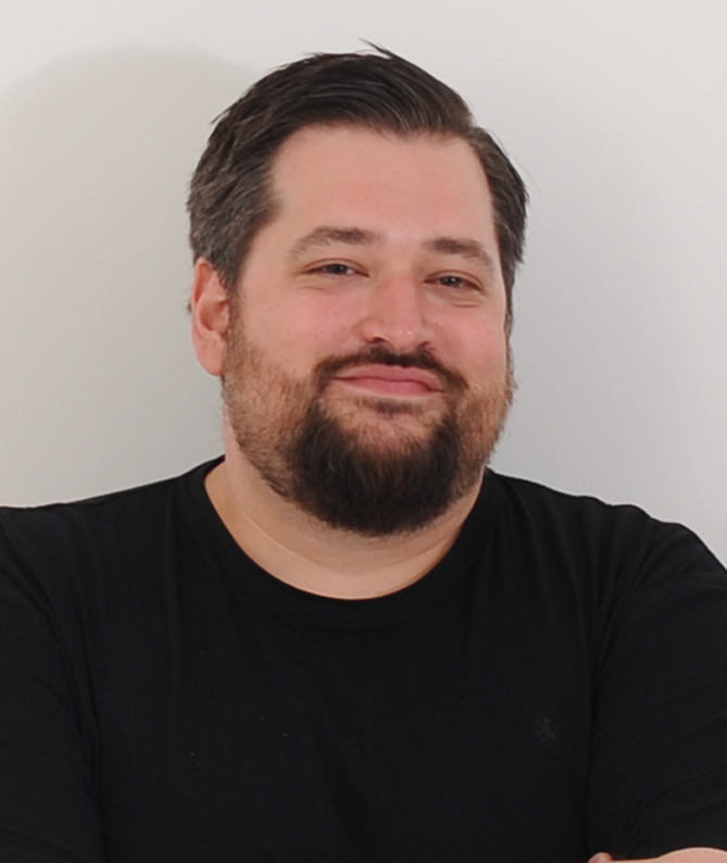 STEPHAN KNEPPER   Social Media-Profi, Medienwissenschaftler und effzeh-Fan.