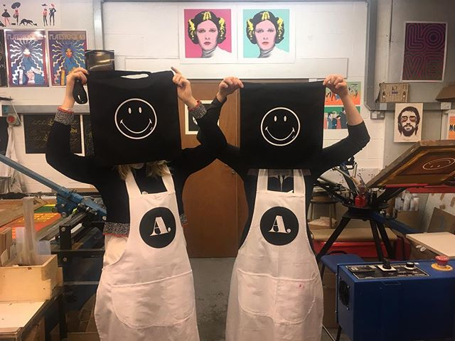 Some of the team from Anya Hindmarch popped by the studio today and screen printed some bags. #design #print #printspotters #screenprint #screenprinting