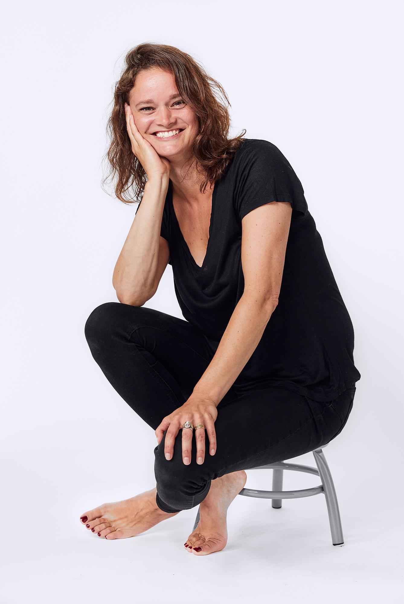 Annemarie-reilingh-haptotherapie-holistic-pelvic-care-hormoon-balans-shoot2.jpg