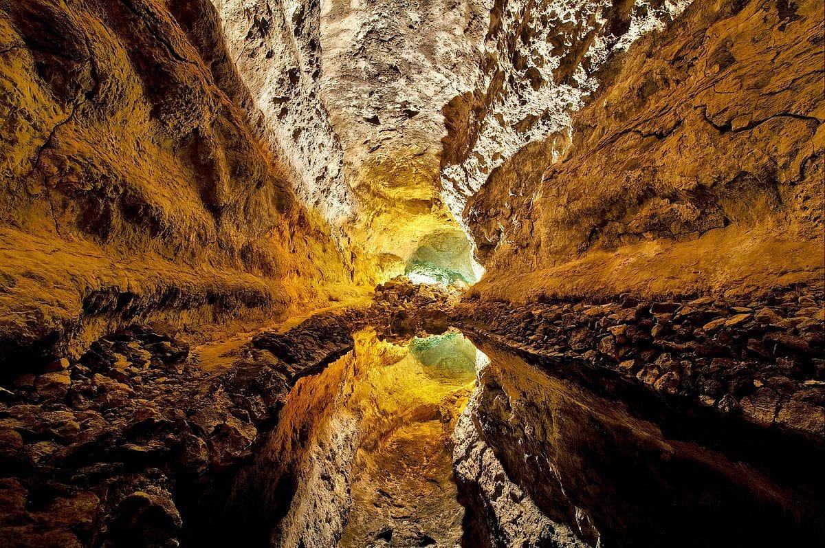 Cueva+de+los+Verdes.jpg