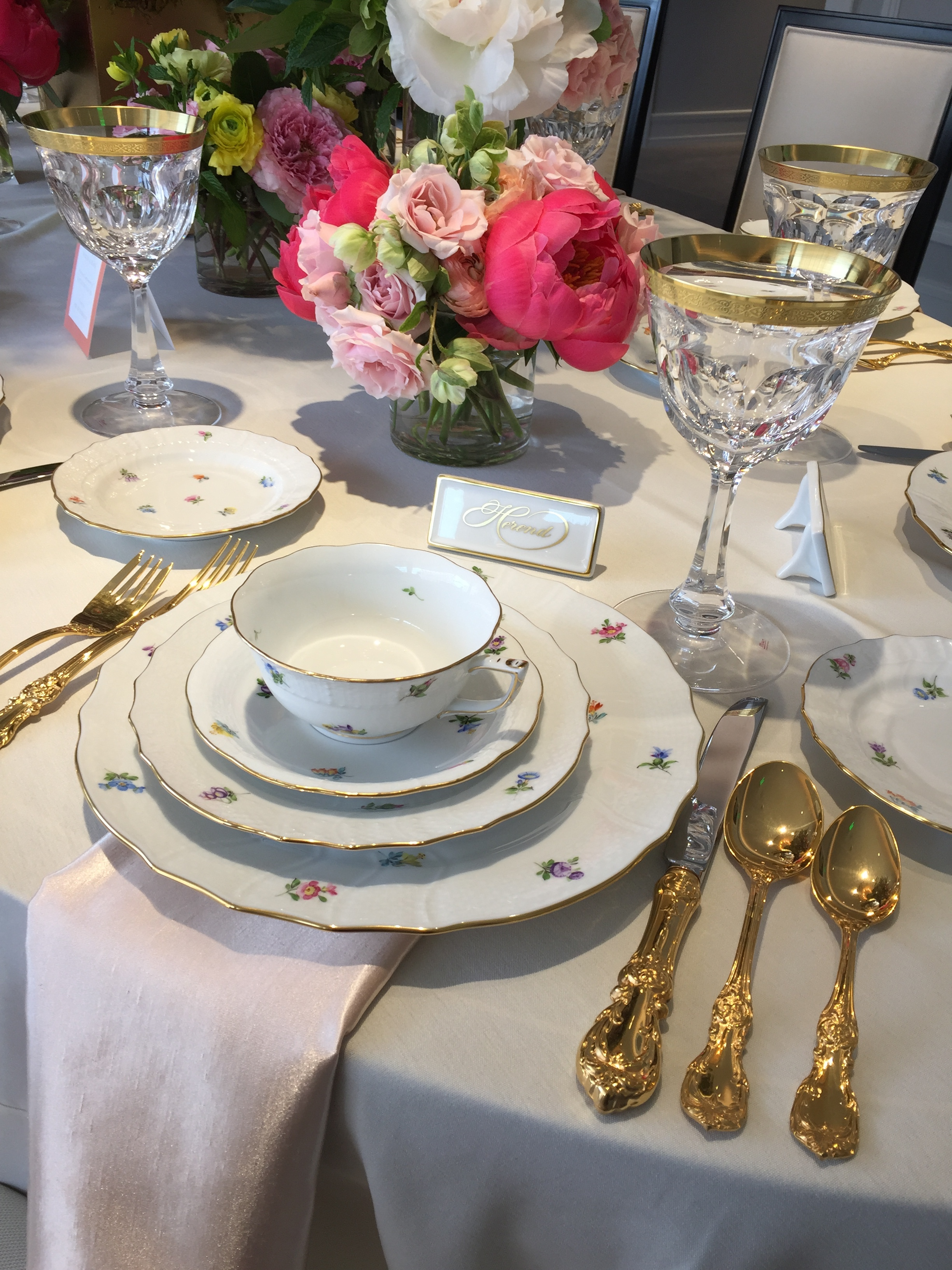Individualized place settings