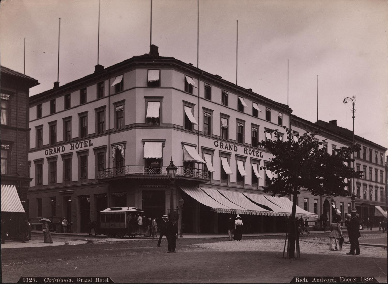 0128._Christiania,_Grand_Hotel,_1892_-_NB_bldsa_AL0128_2.jpg