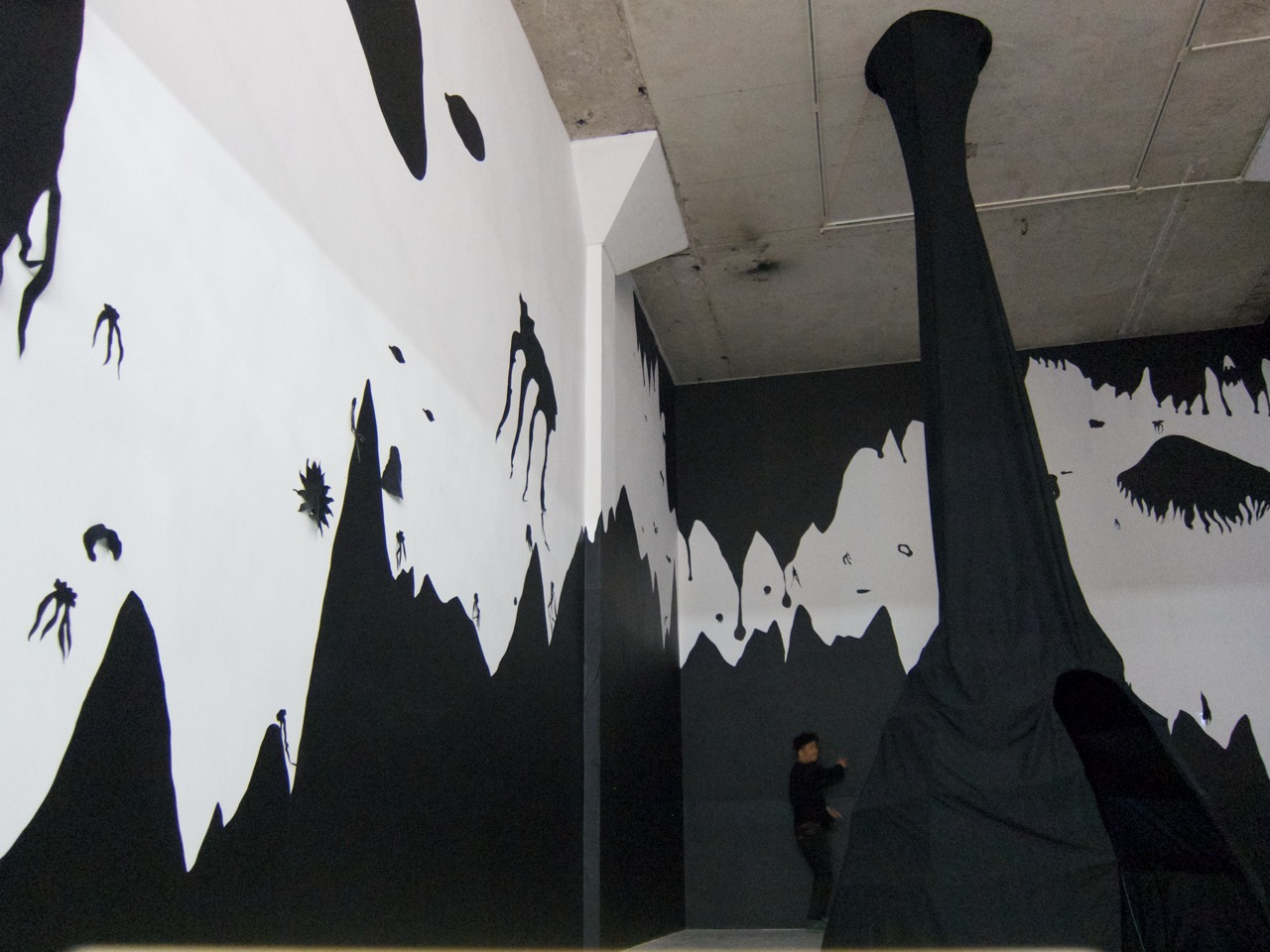 """Hu Renyi's  (MFA AP13) solo exhibition, """"War of the Worlds"""" opens at  V Art Center  in Shanghai on November 16. The show runs through December 14."""