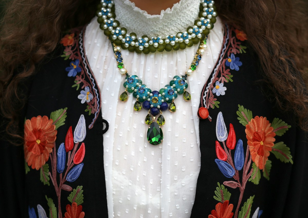 chabaux-necklace-made-in-france-swarovski-pearls-1.jpg