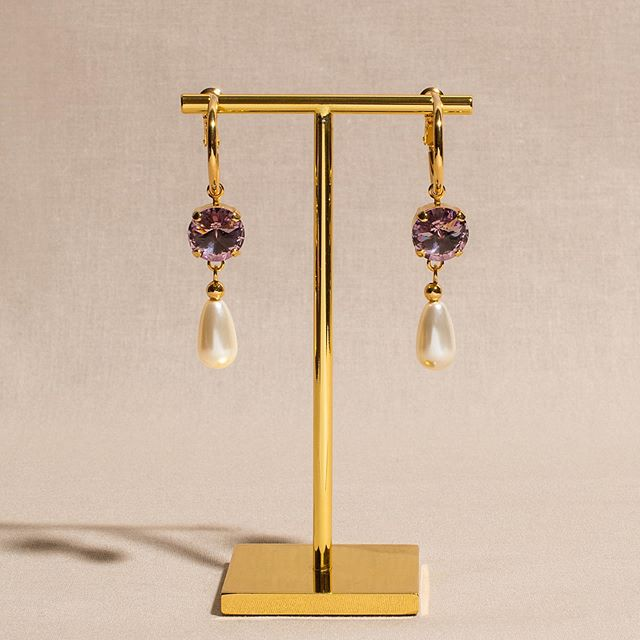 Glamour earrings with mauve crystal and pearls from #swarovski 💟 #chabaux
