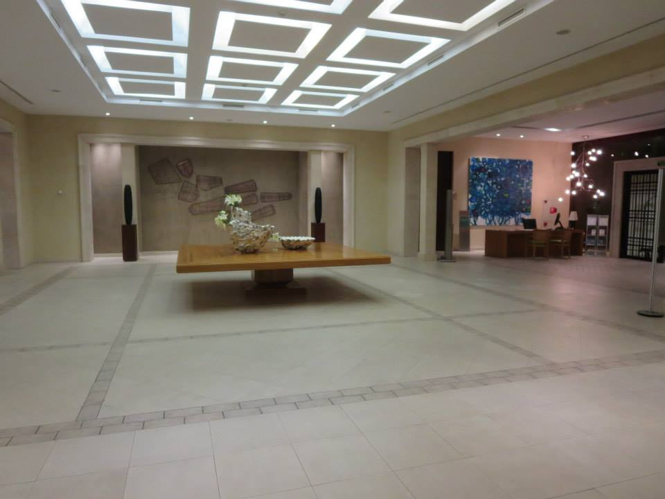 Lobby/Concierge area
