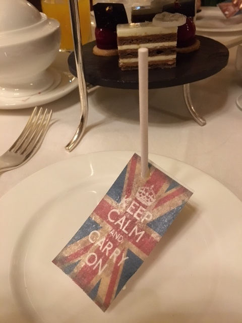 Keep Calm and Carry On—edible cake pop and flag