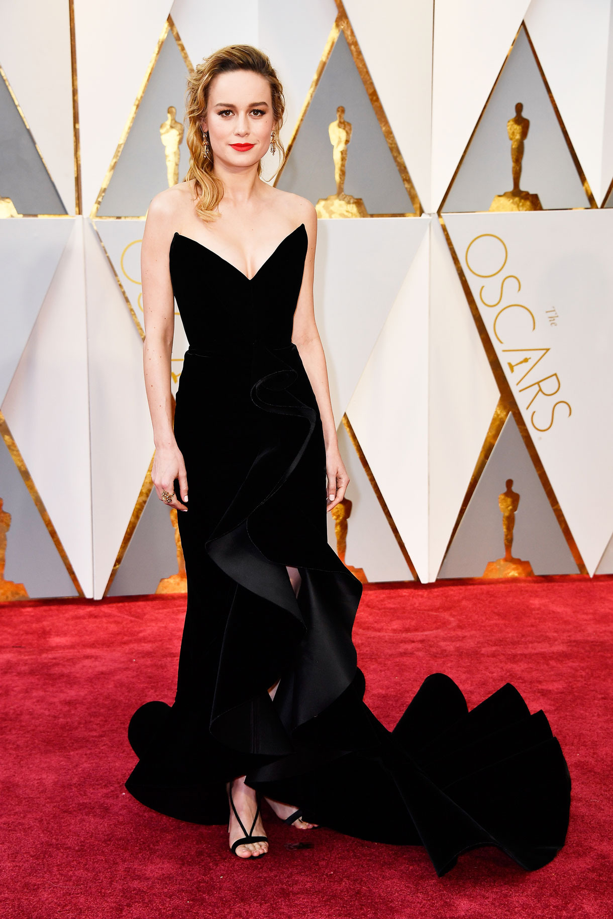 Brie Larson in Oscar Del La Renta.