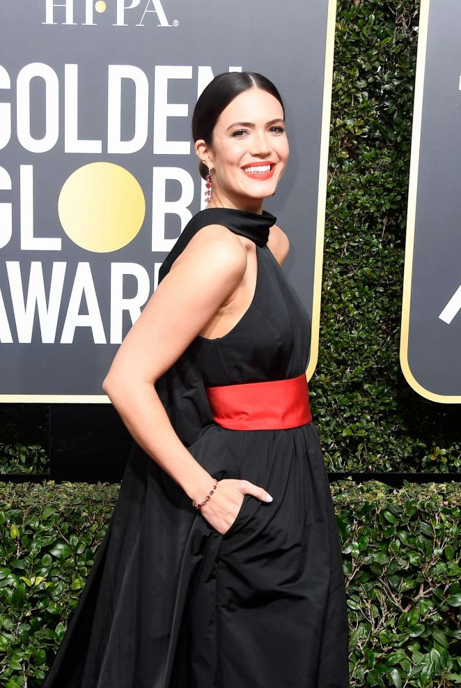 Mandy Moore in Rosie Assoulin