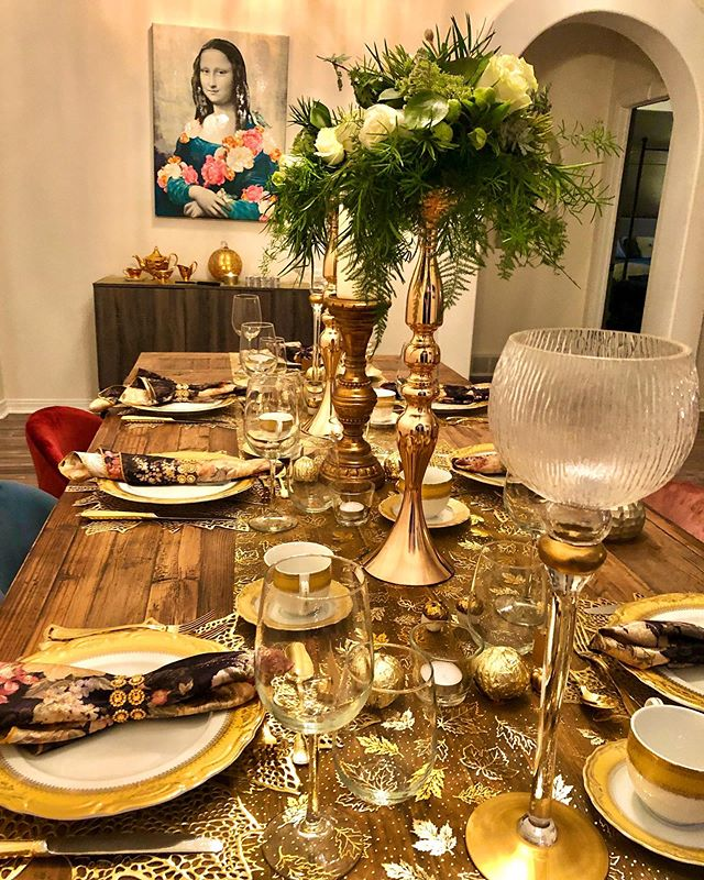 Plenty to be thankful for. #spoiledsplendid #canadianthanksgiving #thanksgiving #canada #dinner #gold #hosting #entertaining #table #tablesetting #tablescapes #yeg #food #foodie