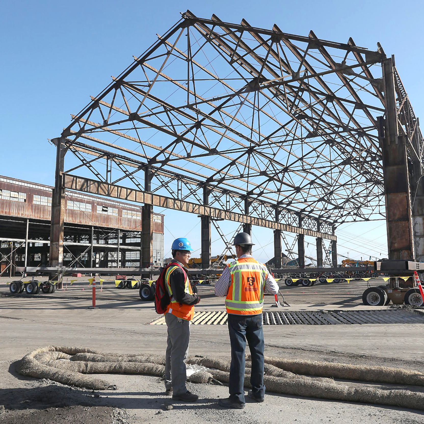 Building 15 on the move - October 24, 2018Building 15 gets temporarily moved to begin transforming 22nd street. The structure will be returned to mark the gateway at Pier 70.