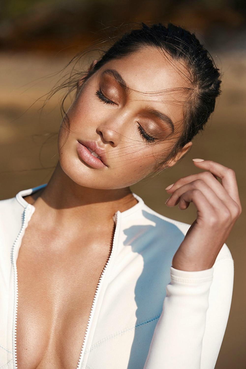 Soft & Beautiful Makeup Look @ acheekylifestyle.com by Val Banderman