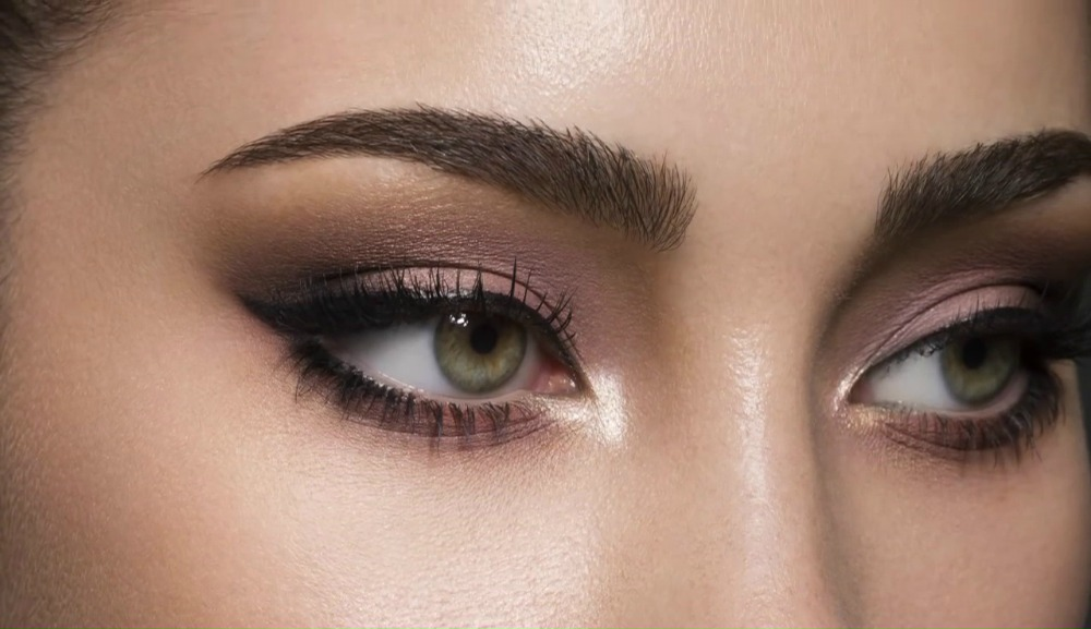 Perfect For Every Eye Color Violet Smoky Eyes @ acheekylifestyle.com by Val Banderman.jpg