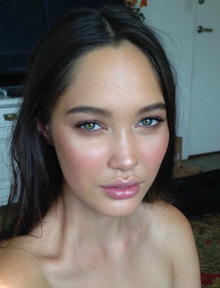 """A """"No Makeup"""" Makeup Look @ acheekylifestyle.com by Val Banderman"""