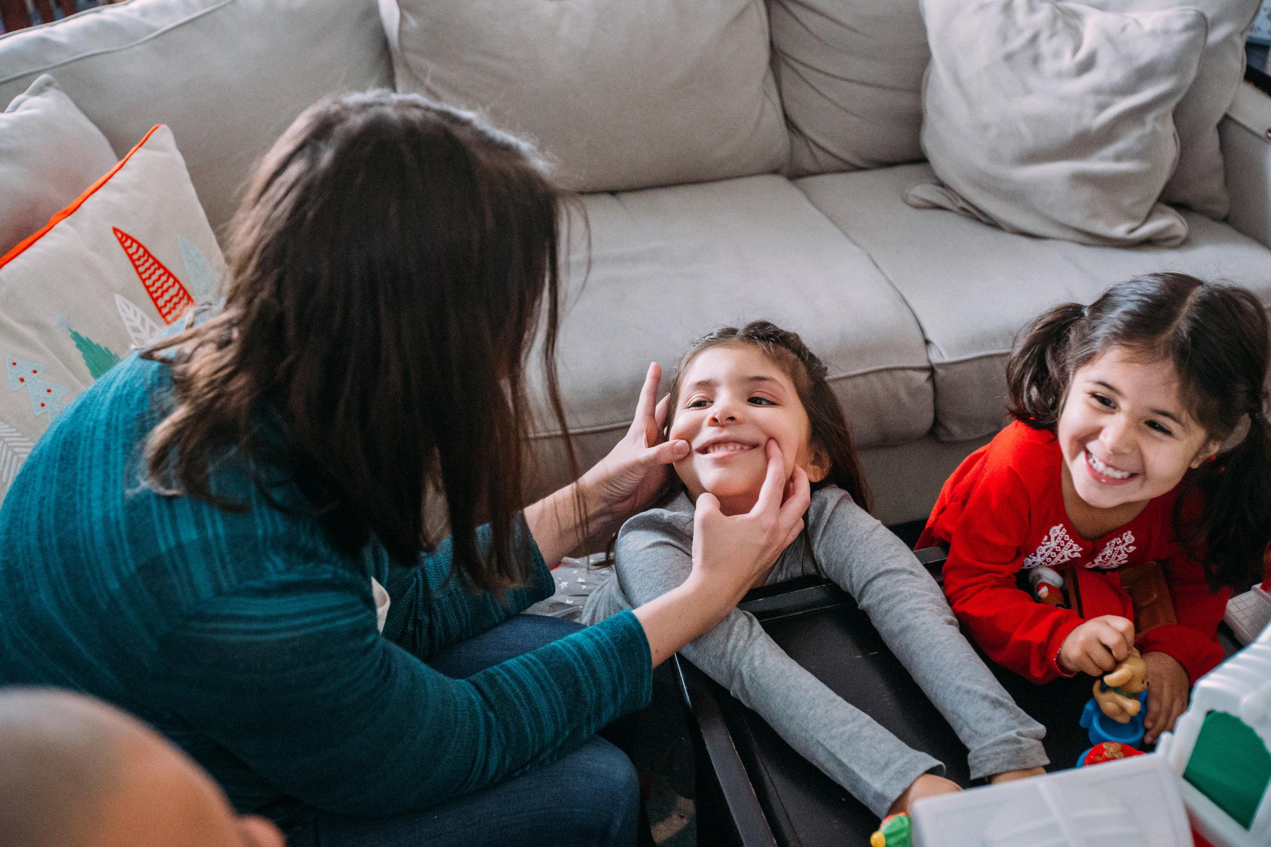 christmas-family-photos-documentary-photographer-banda-family-6384.jpg