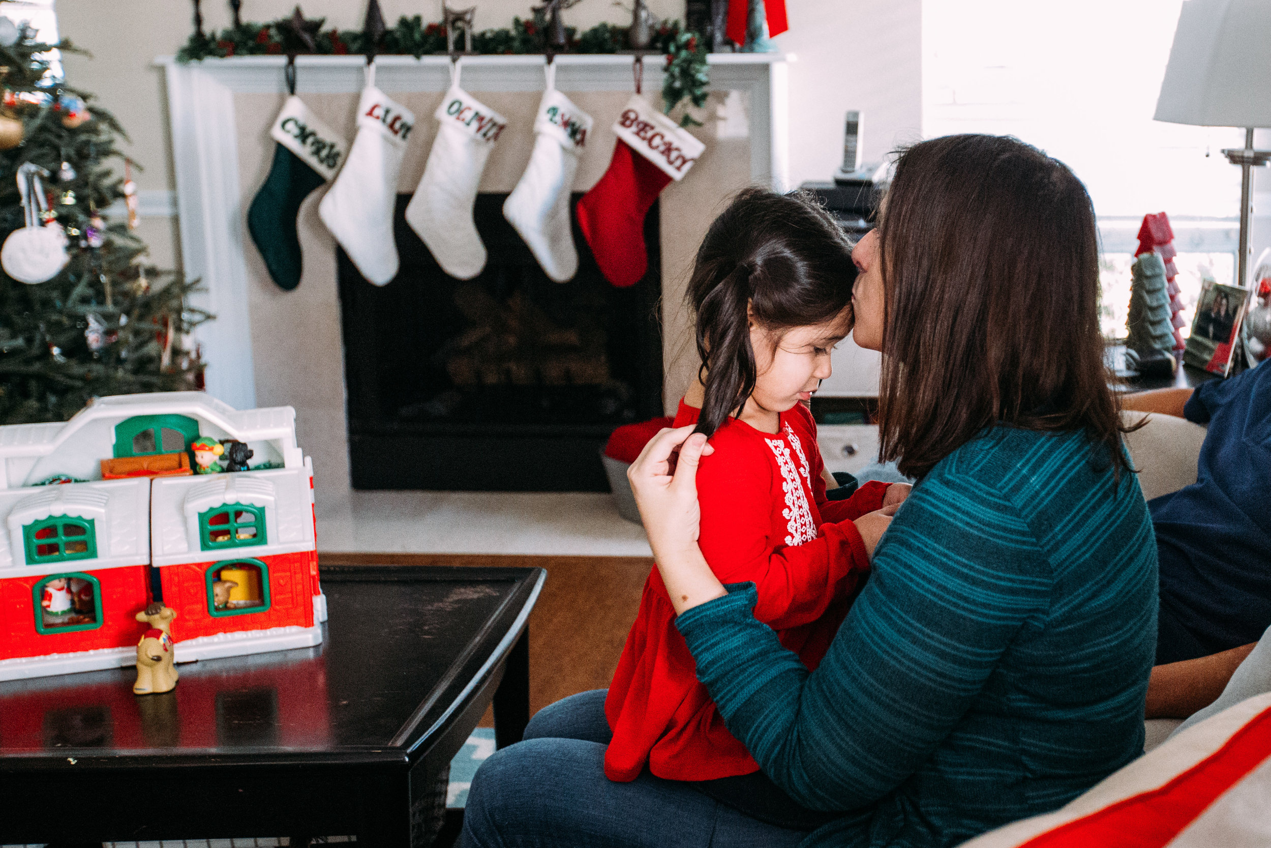 christmas-family-photos-documentary-photographer-banda-family-6458.jpg