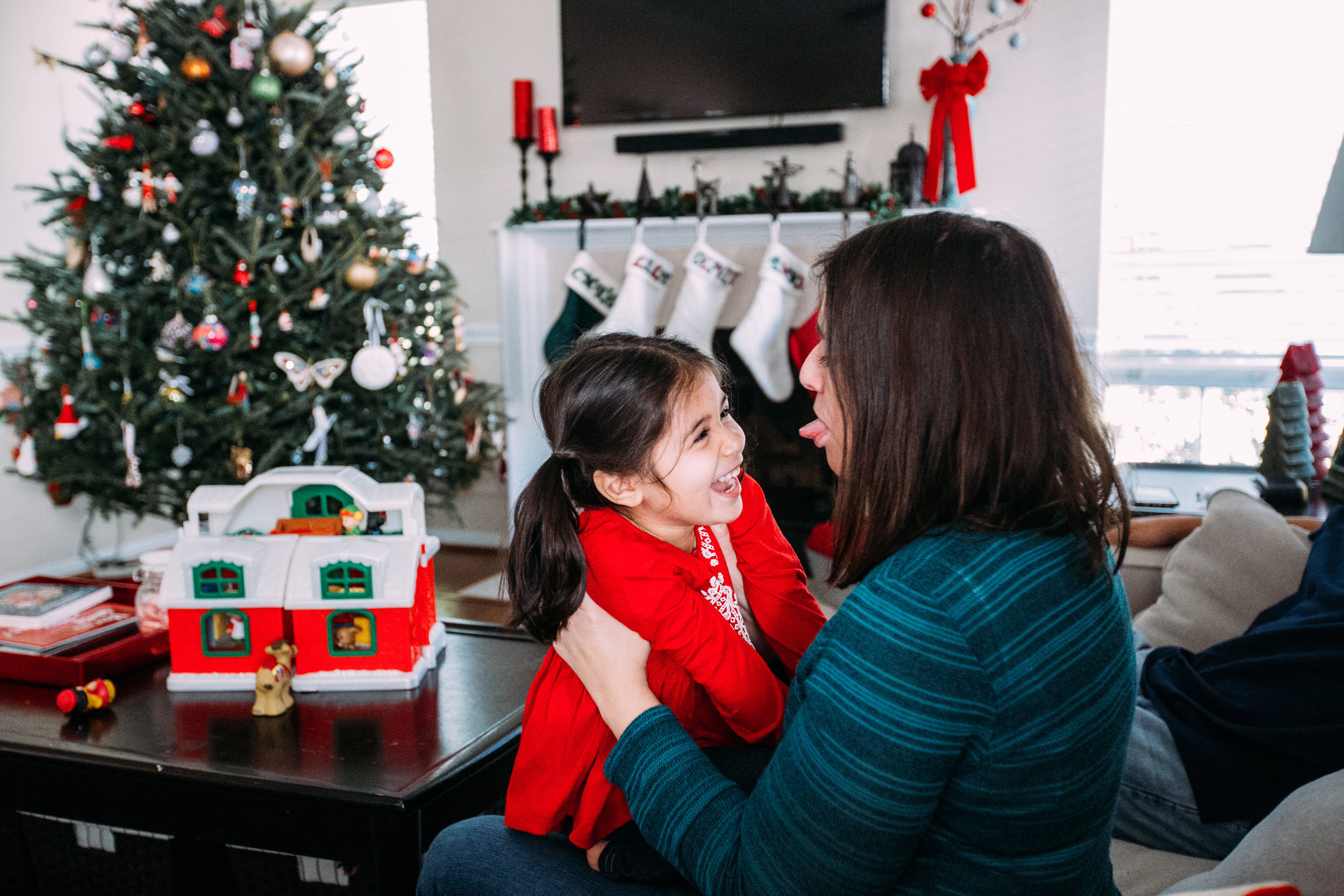 christmas-family-photos-documentary-photographer-banda-family-6481.jpg