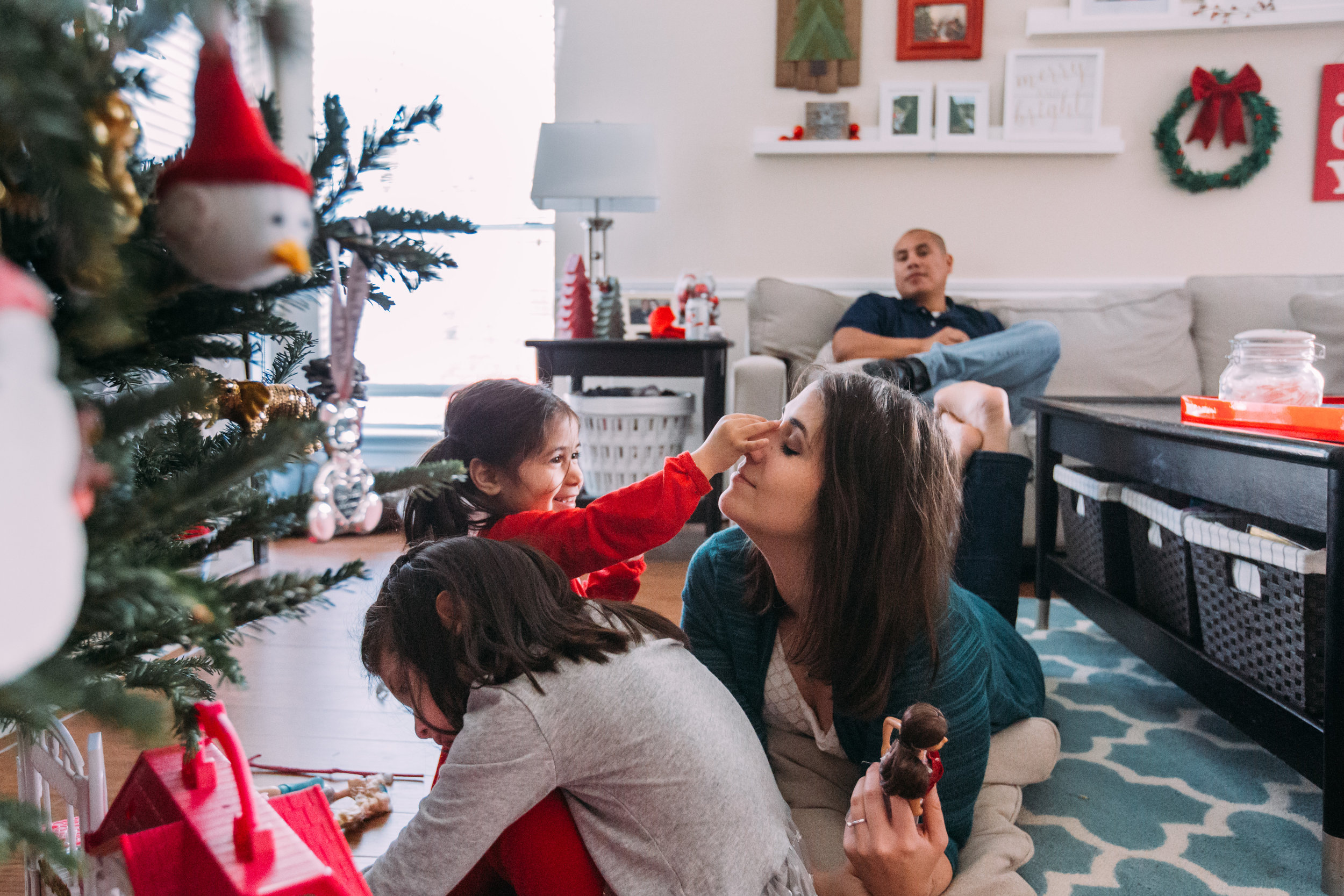christmas-family-photos-documentary-photographer-banda-family-6918.jpg