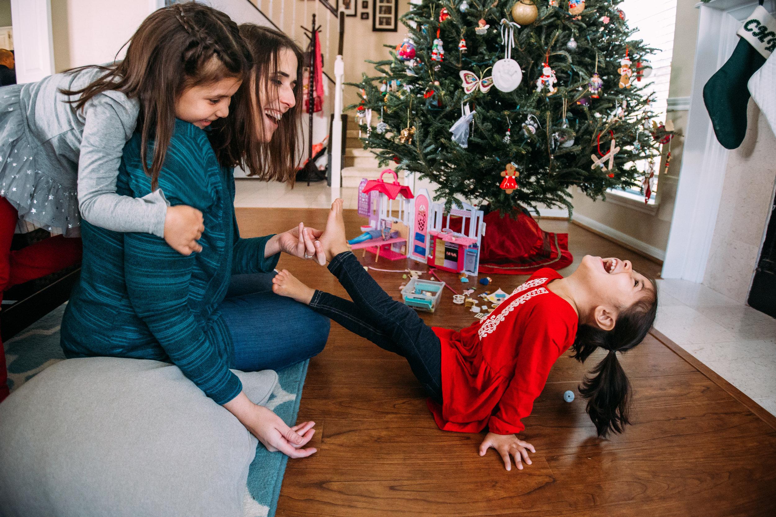 christmas-family-photos-documentary-photographer-banda-family-7012.jpg
