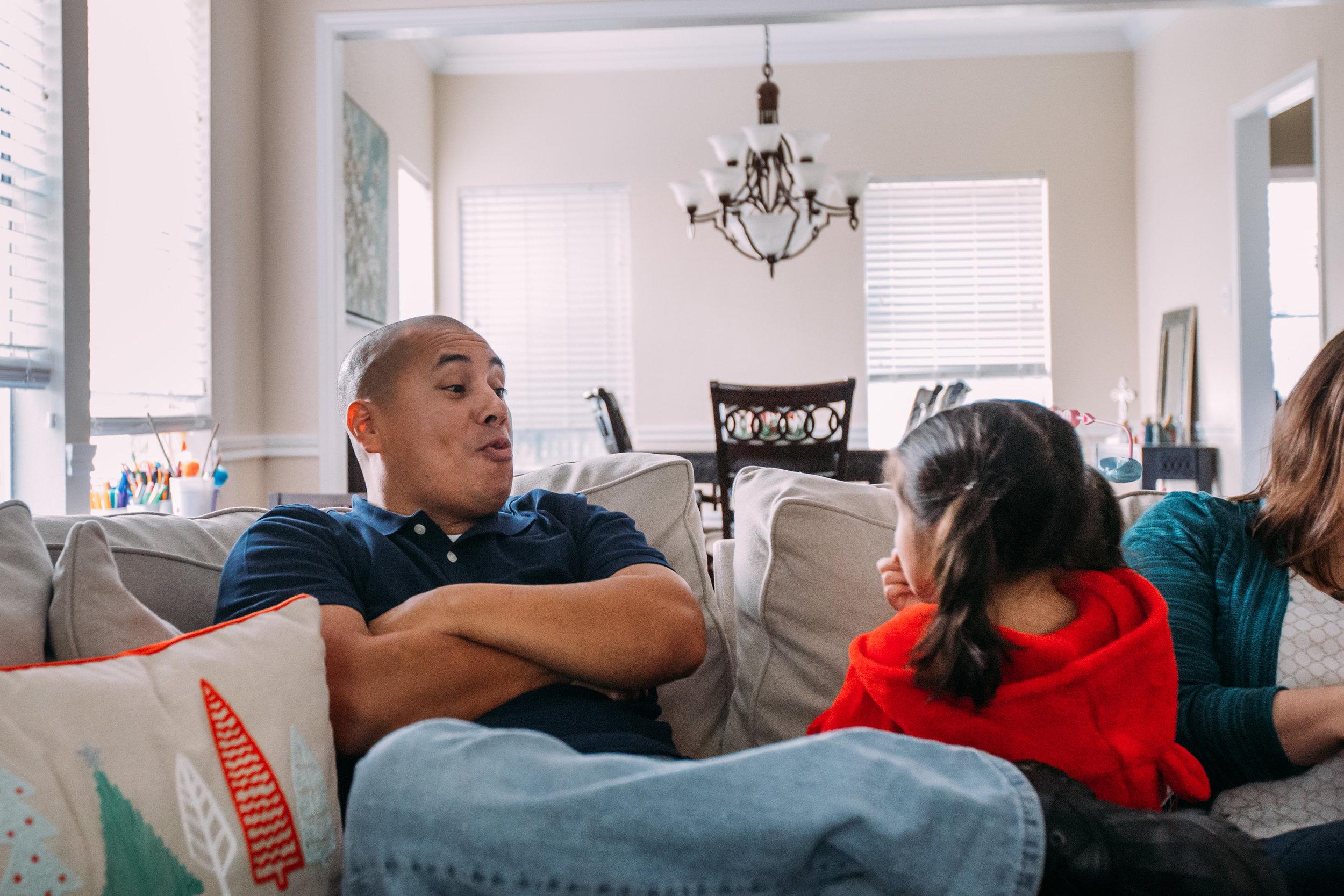 christmas-family-photos-documentary-photographer-banda-family-7284.jpg