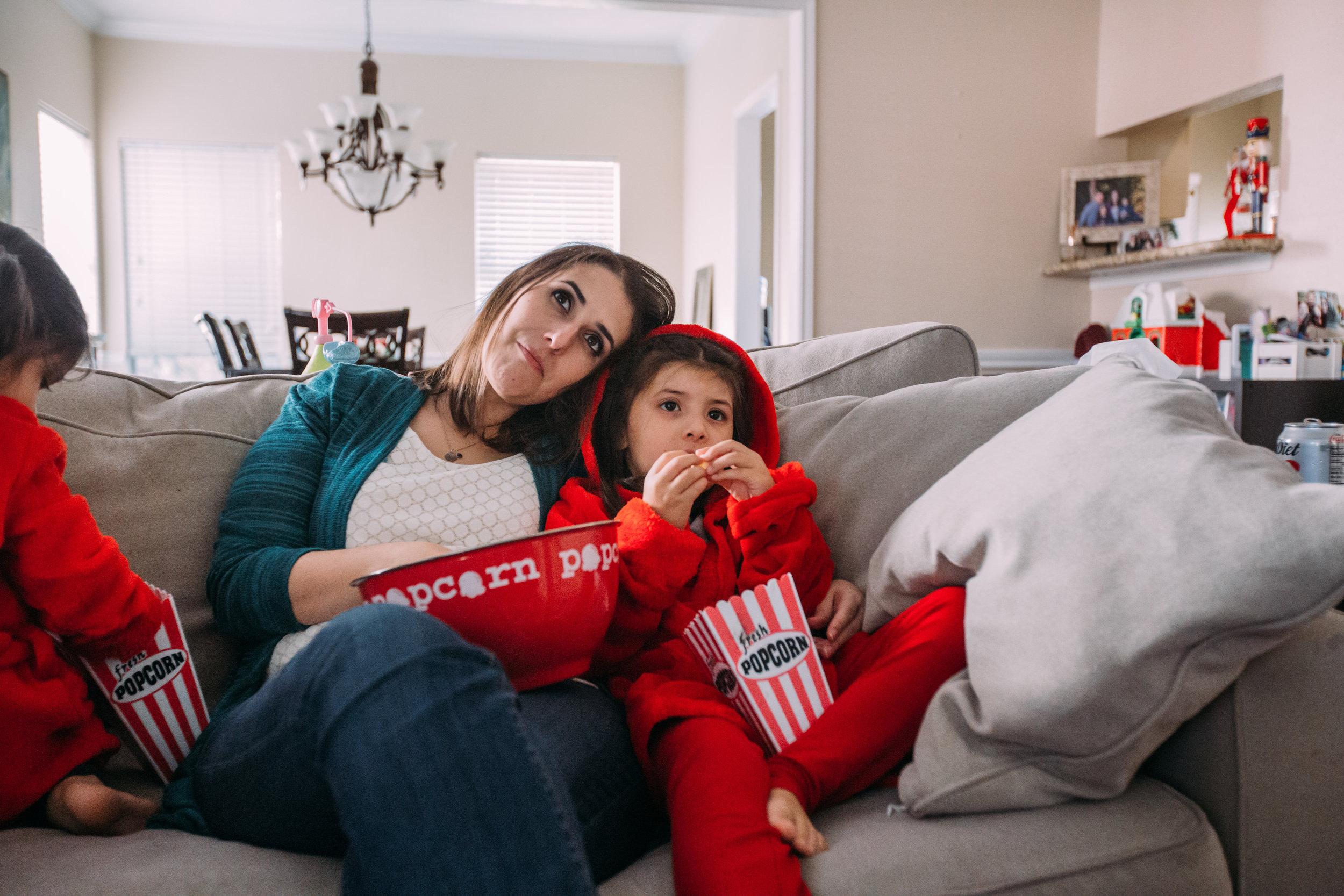 christmas-family-photos-documentary-photographer-banda-family-7273.jpg