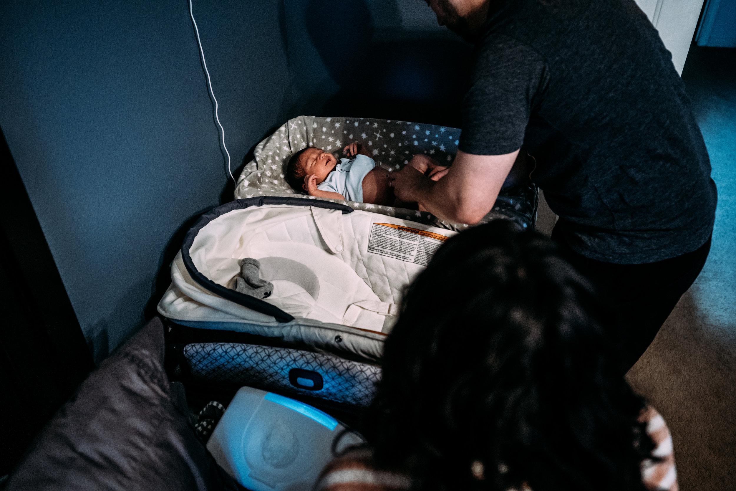 Documentary Family Photographer in Houston - Carter Newborn-00485.jpg