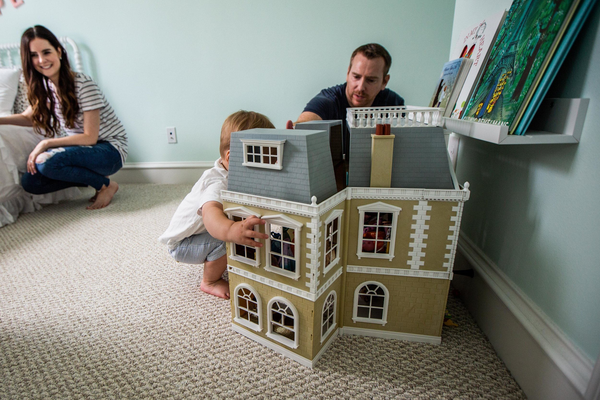 family playing at home together-23.jpg