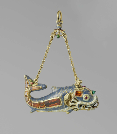 Hanger and Necessaire in the shape of a dolphin, Germany, ca. 1600, gold, pearls and precious stones, h 10.2 cm × w 7.8 cm. BK-17060. Rijksmuseum, Amsterdam.