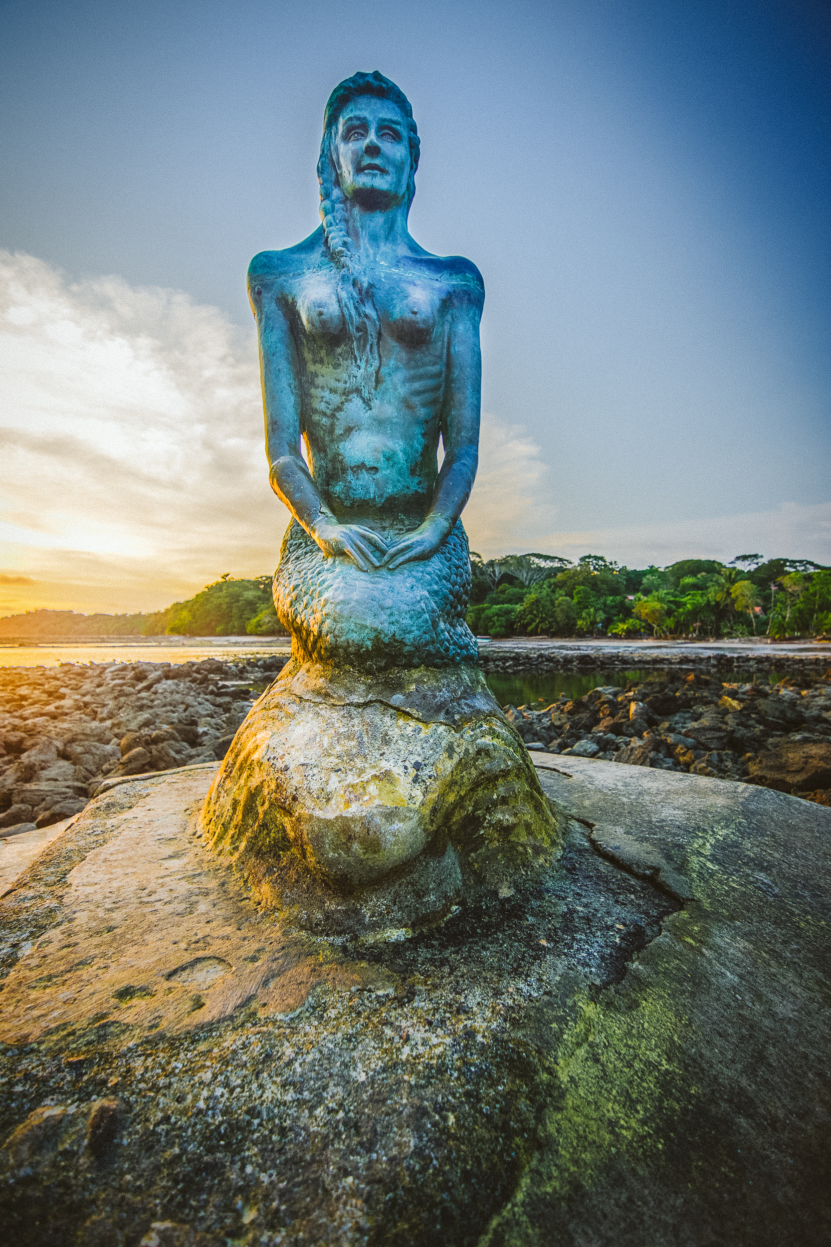 La Sirena is this sculpture of a mermaid far out into the ocean. At high tide, she is completely surrounded by the ocean but at low tide, you can easily walk there.