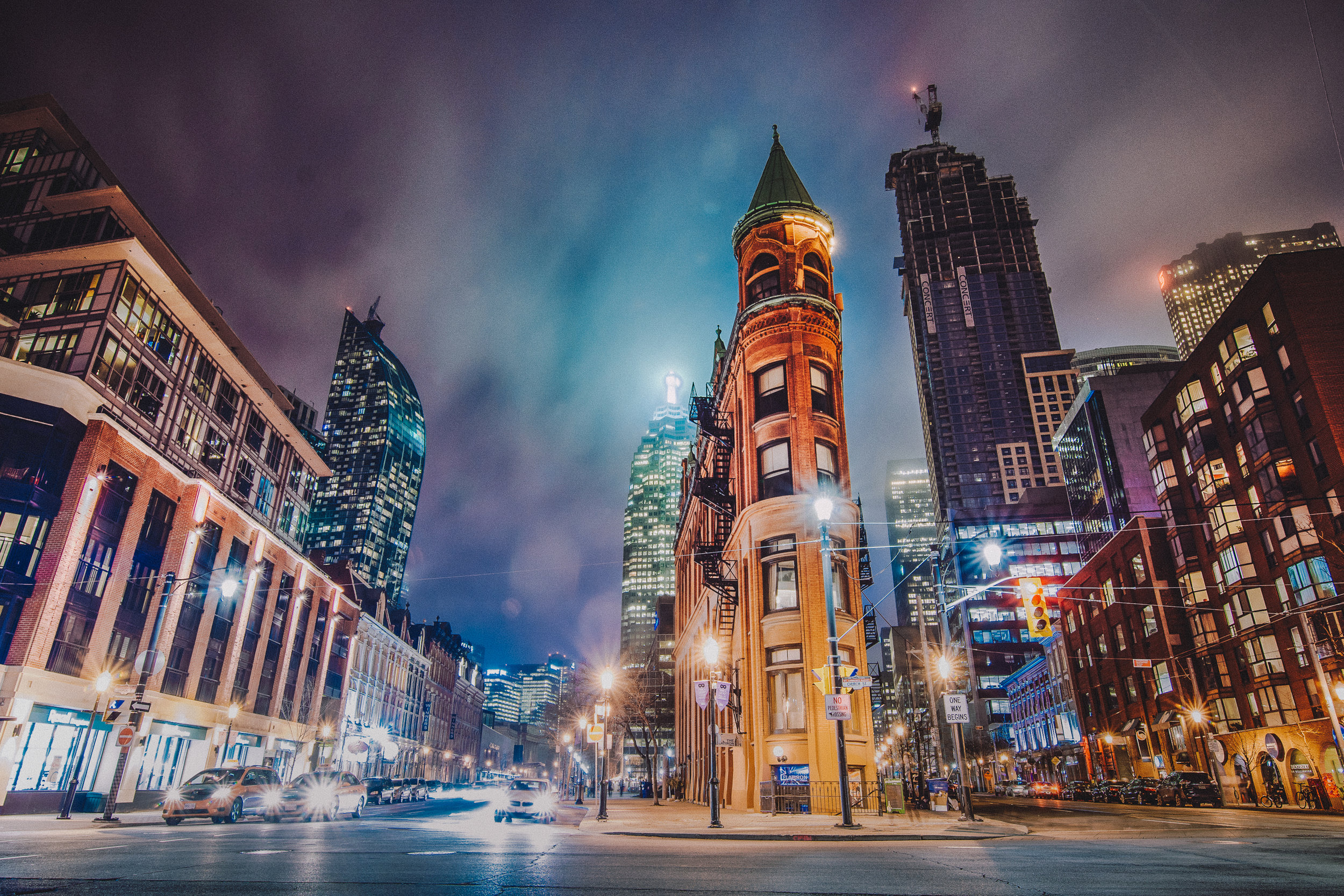 On my way home, I took the long way and walked across Front Street to stop at the iconic & historic Gooderham Building, as known as Toronto's flation building. Pretty fitting seeing as how the Distillery District was the old Gooderham & Worts Limited brewers and this building served as the main offices for the company until the '50s.