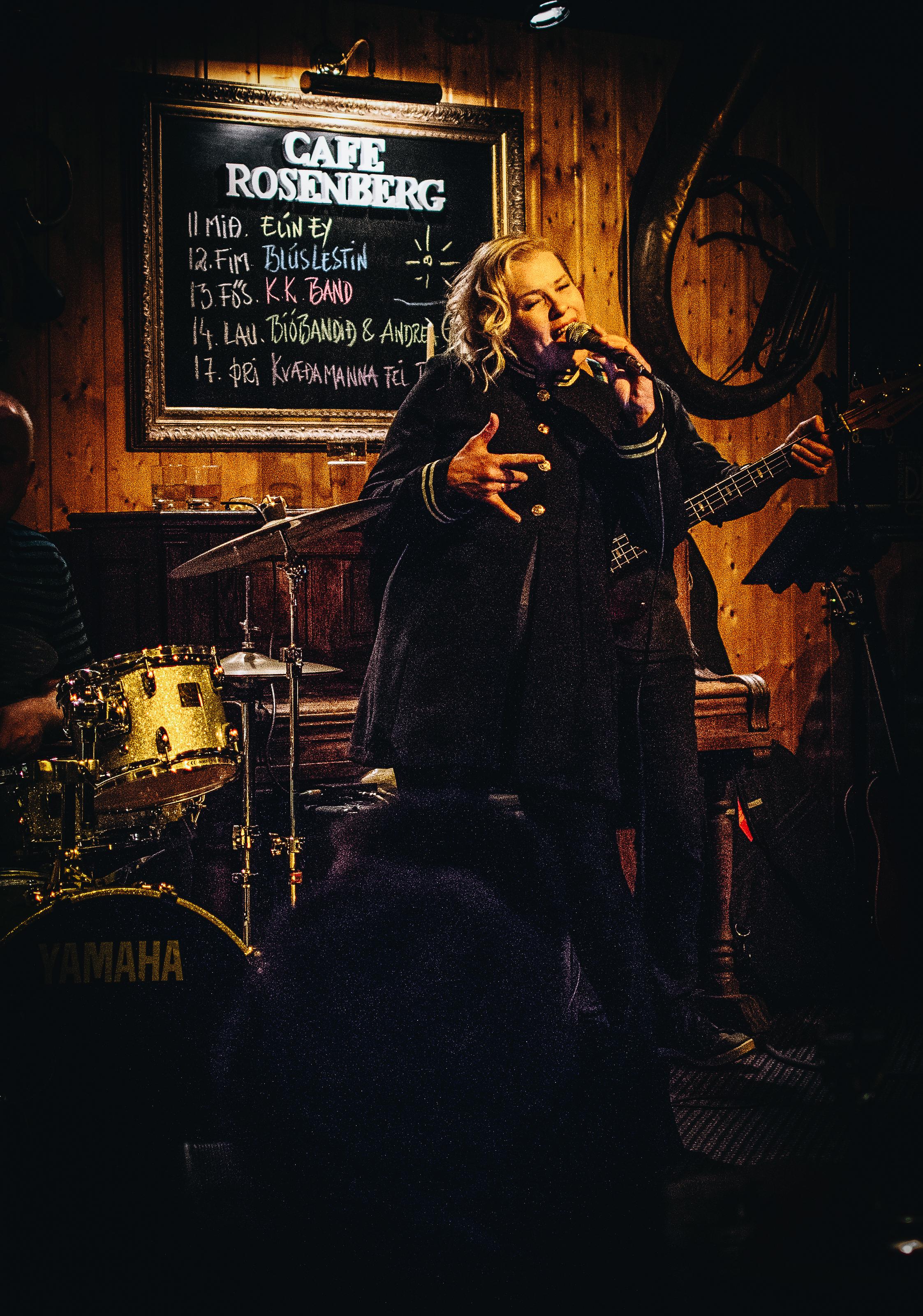 A friend of a friend was performing at Cafe Rosenberg and she was fantastic. Meet Andrea Gylfa og Bíóbandið!